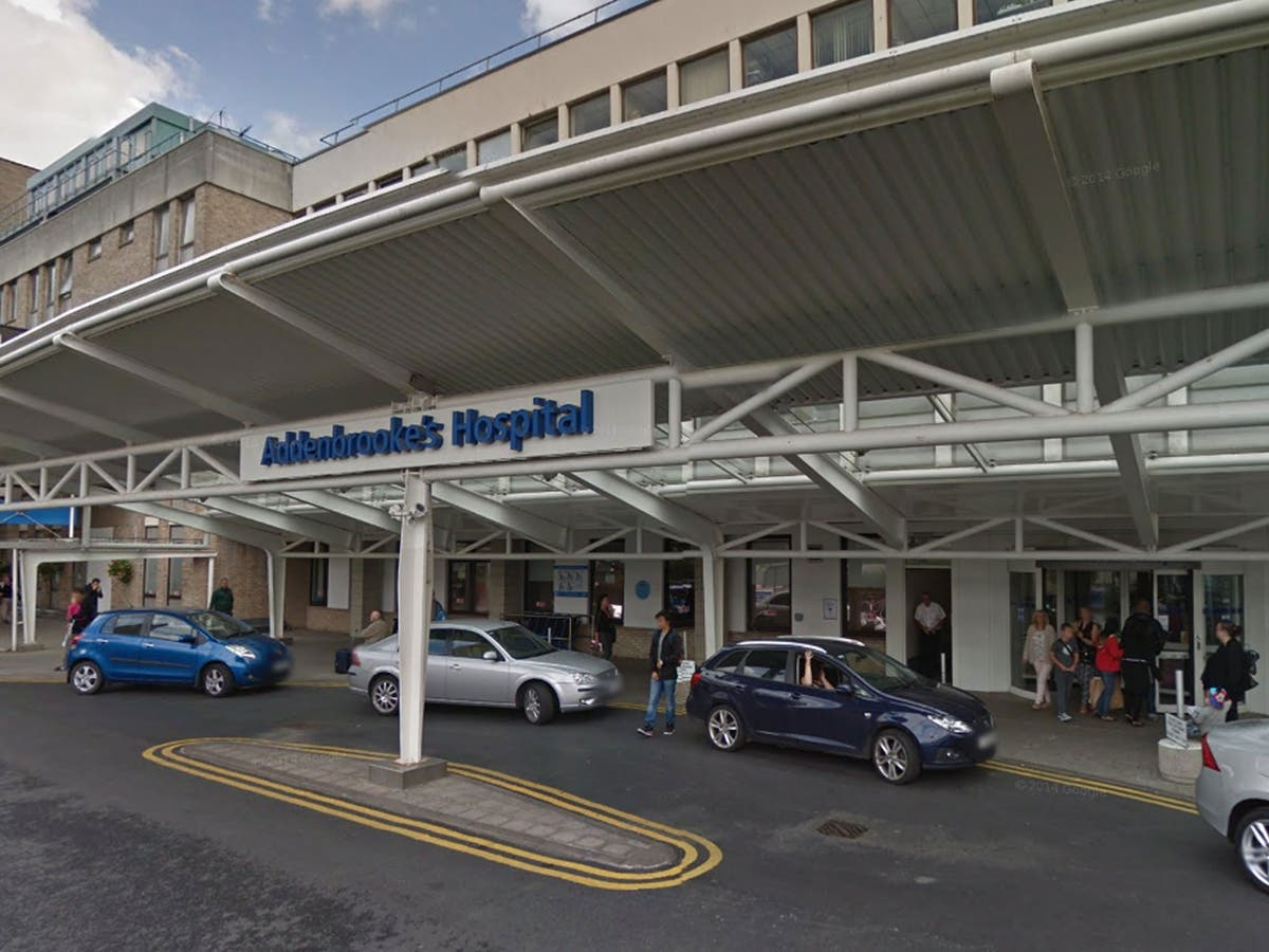 Mental health patient kept in an ambulance outside hospital for over 12 hours