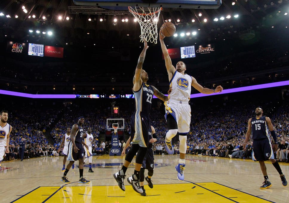 3afa9887eaaa Golden State Warriors  Steph Curry in record-breaking game against the  Memphis Grizzlies
