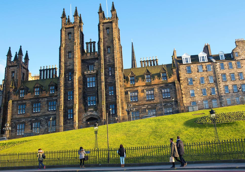 Edinburgh University students to be given gender pronoun