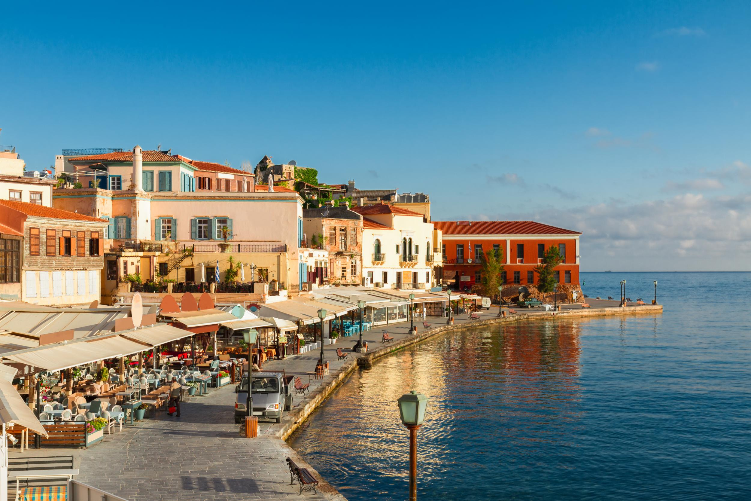 48 hours in chania hotels restaurants and places to for Chambre airport