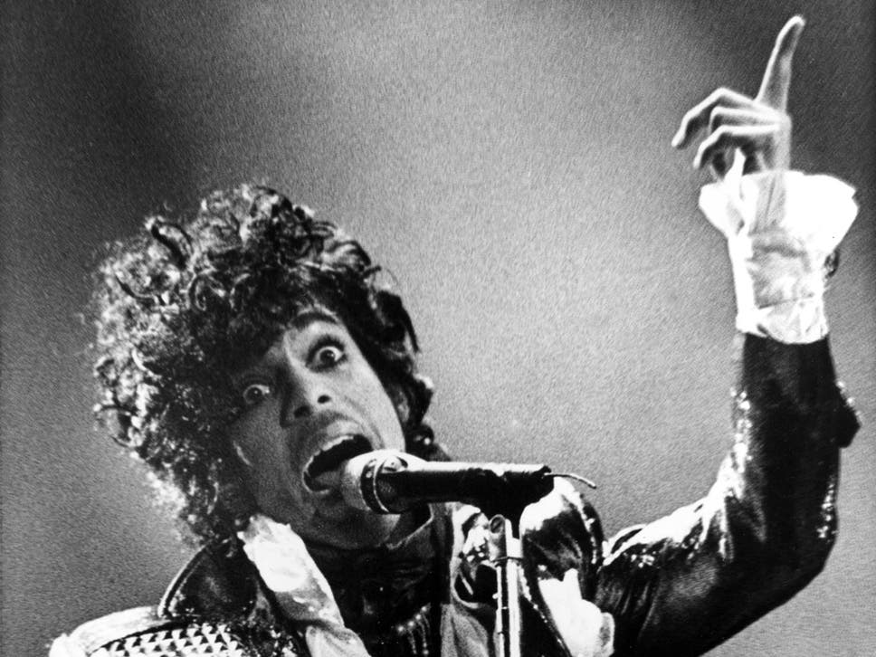 Prince Dead 12 Craziest Moments In His Career From Changing His
