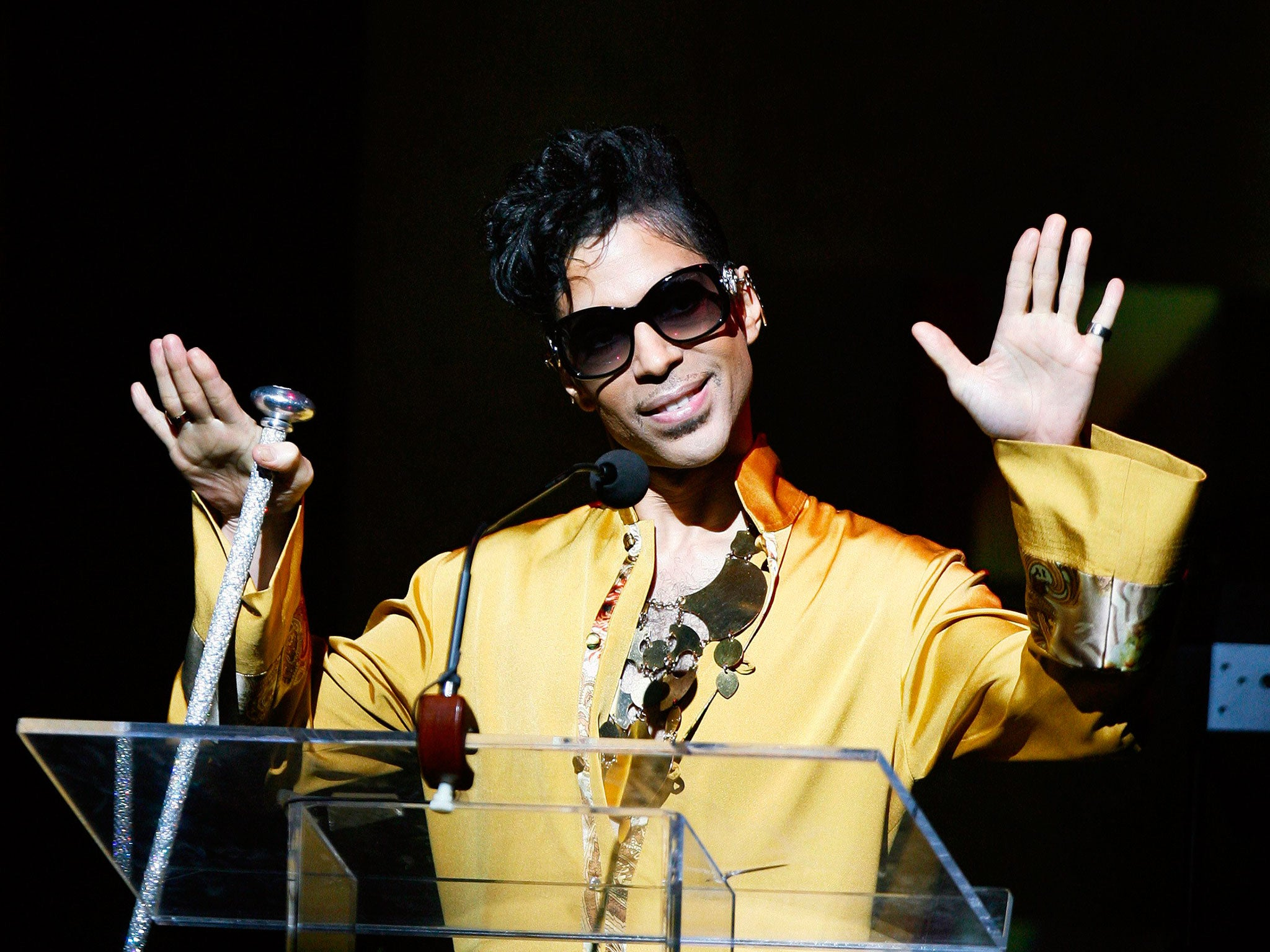 Prince Dead How To Listen To The Singers Music As He Wanted Not On Spotify Or Apple Music