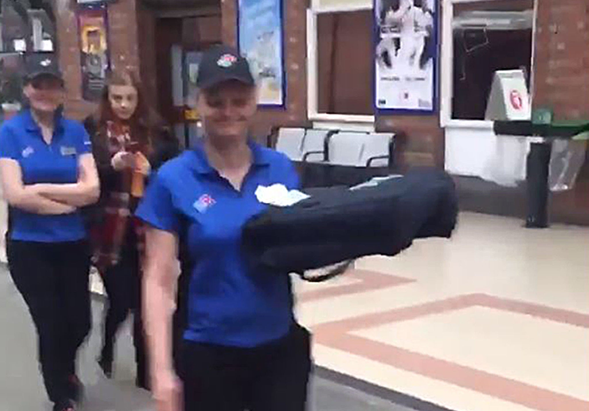 Dominos Deliver Pizza To Dj On Platform While He Was
