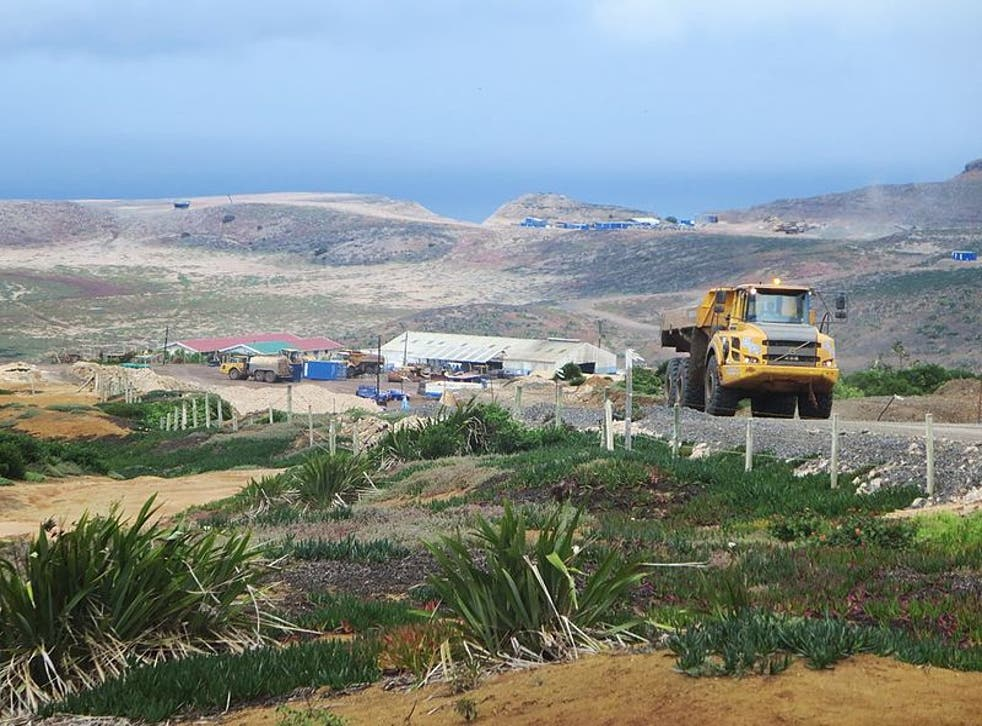 St Helena's £250m airport under construction