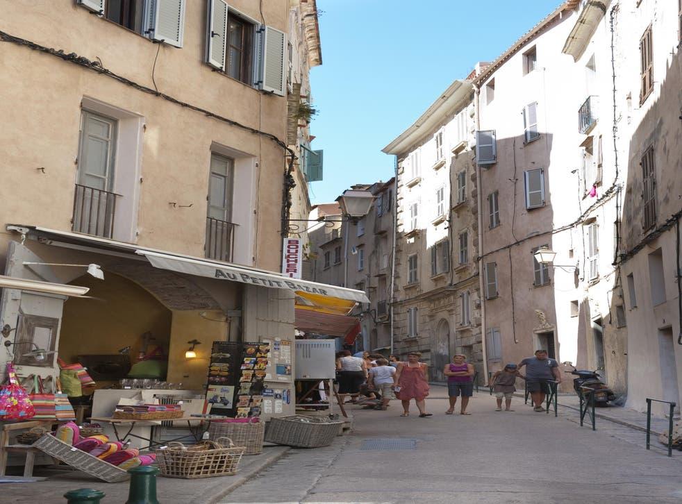 Bonifacio's narrow streets