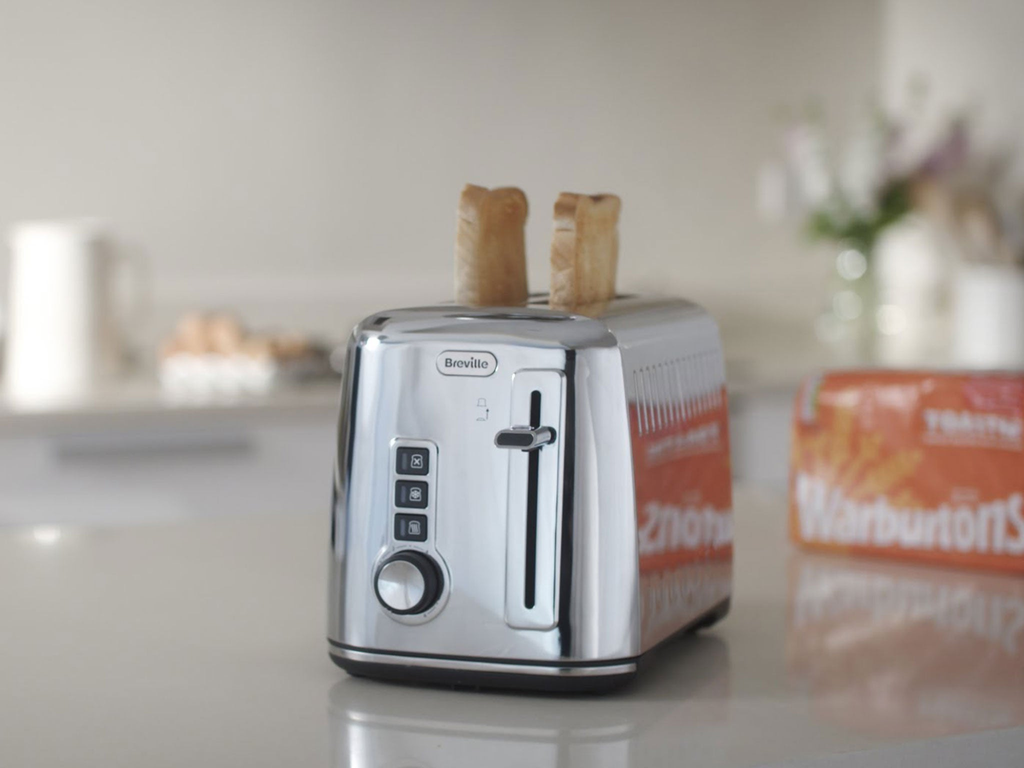 How much electricity does a toaster use?