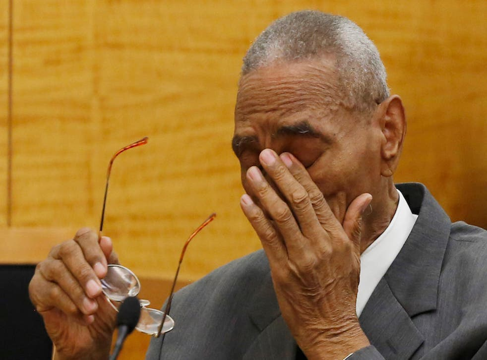 Paul Gatling wipes away tears at Brooklyn Supreme Court on May 2, 2016.