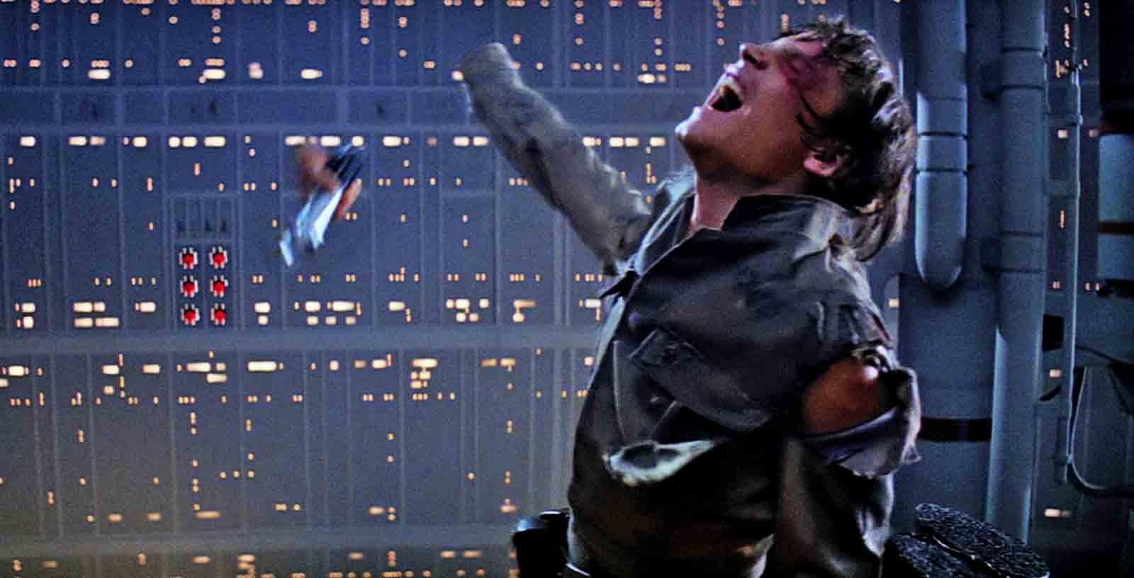 Star Wars: The Force Awakens: Mark Hamill confirms opening shot was originally of Luke's severed hand
