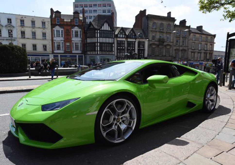 Lamborghini with top speed of 202mph given taxi licence by