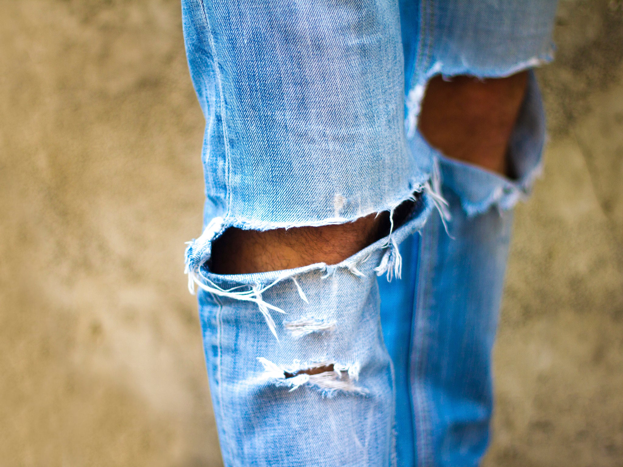 Here's what happens if you never wash your jeans