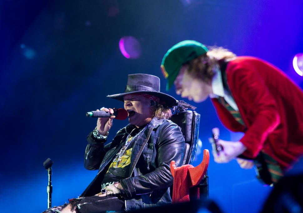 AC/DC and Axl Rose play first gig in Lisbon: Fans and critics cast