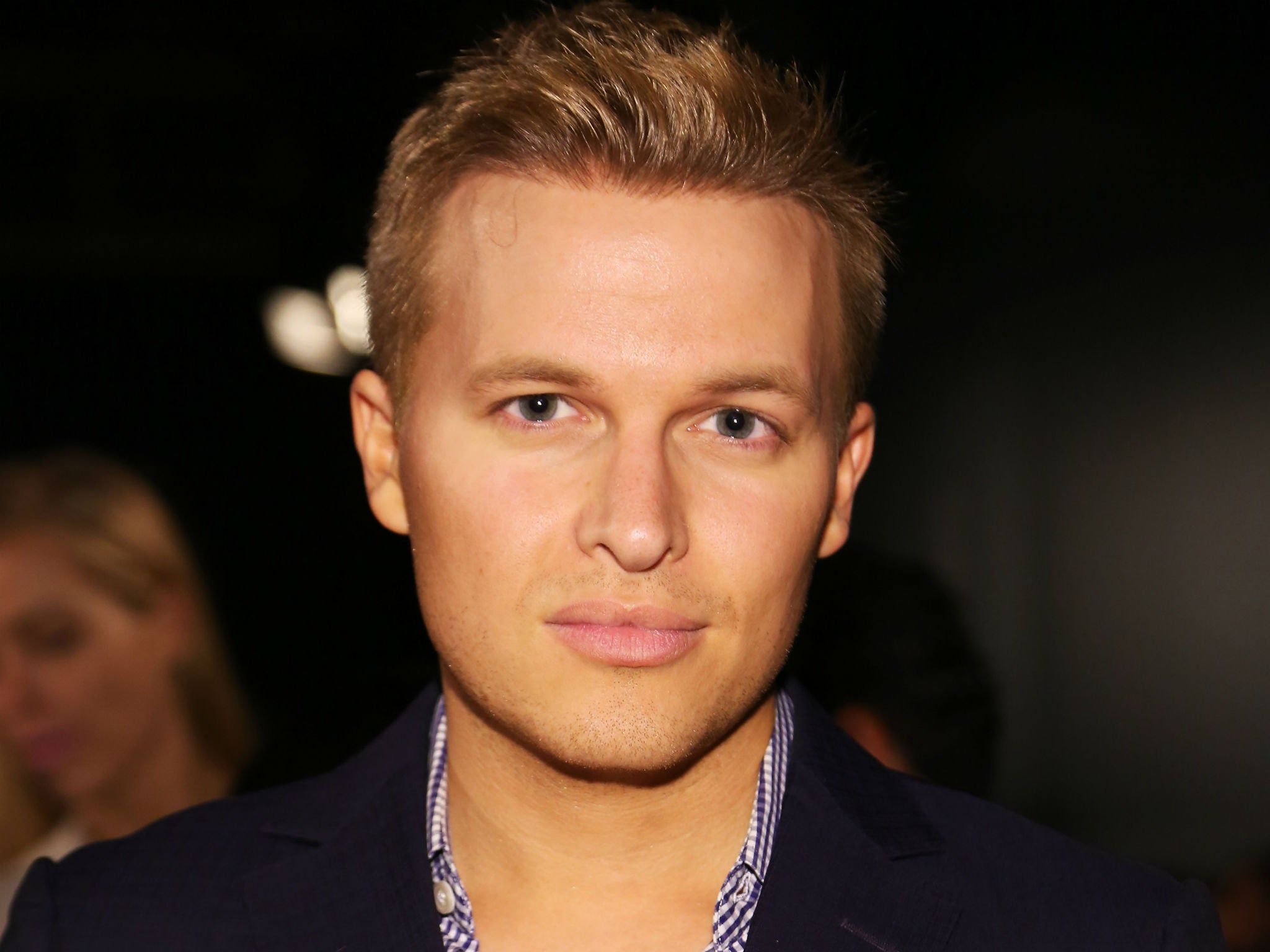 https://static.independent.co.uk/s3fs-public/thumbnails/image/2016/05/11/17/ronan-farrow.jpg
