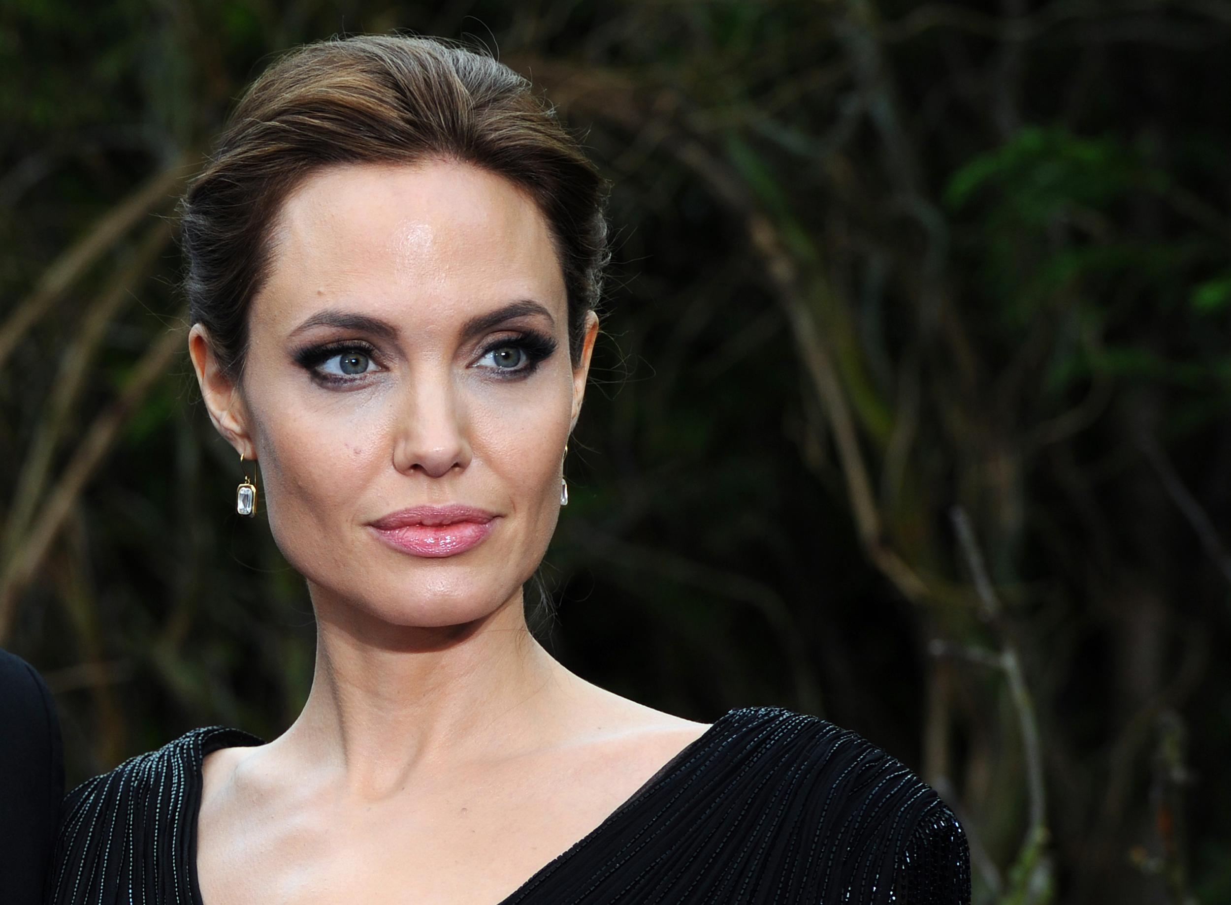 Angelina Jolie Opens Up About difficult Year After Split