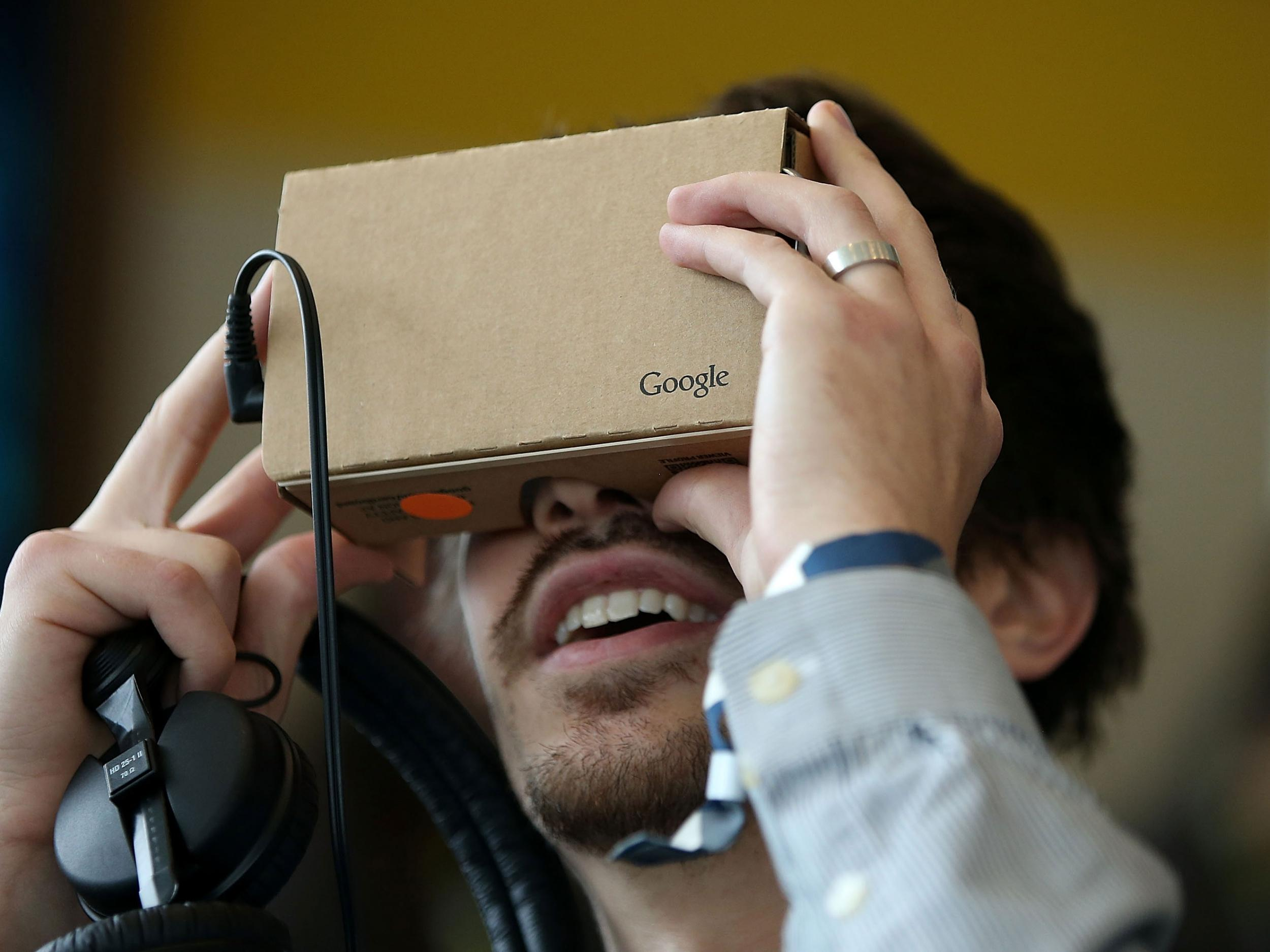 YouTube for iPhone now compatible with Google Cardboard virtual reality headset, company announces