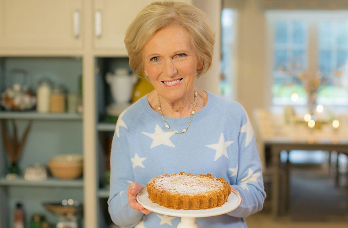 Mary Berry Wonderfully Charming Things You Did Not Know About The Bake Off Presenter And Committed Ibiza Raver The Independent The Independent