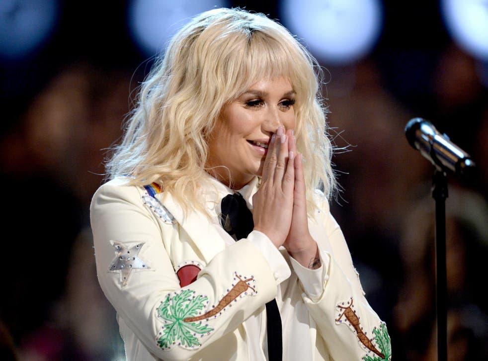 Kesha performs at the Billboard awards