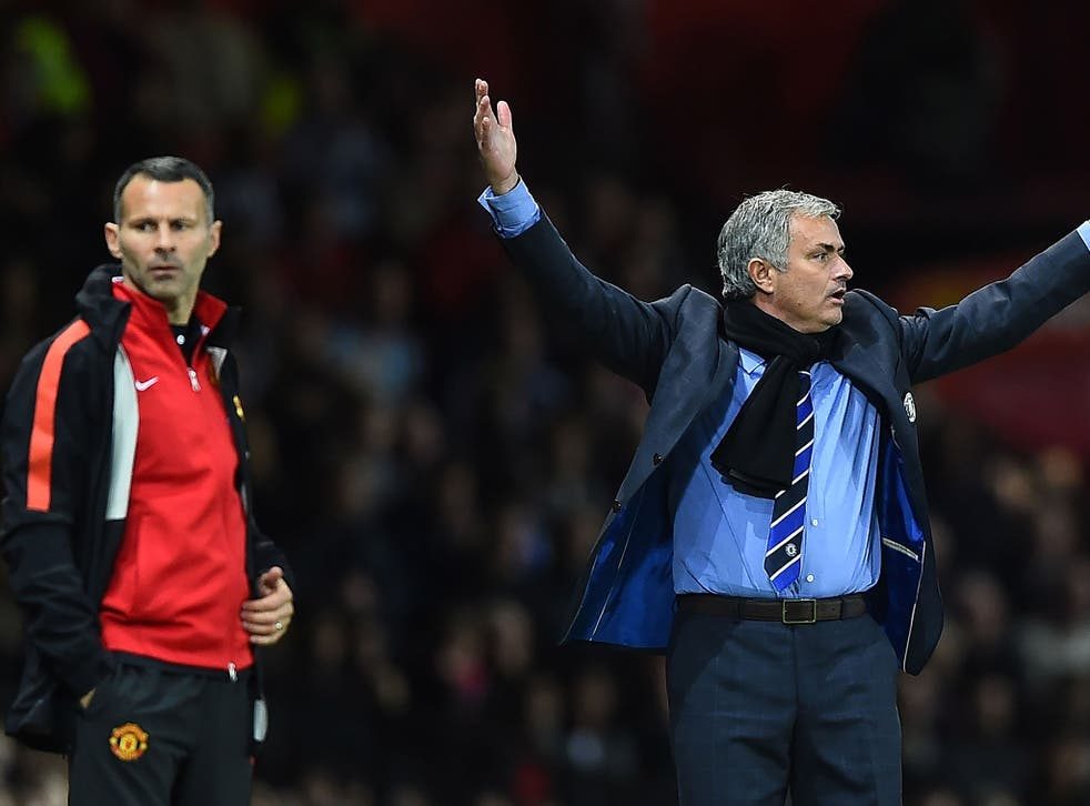 Ryan Giggs and Jose Mourinho on the touchline during Manchester United's clash with Chelsea
