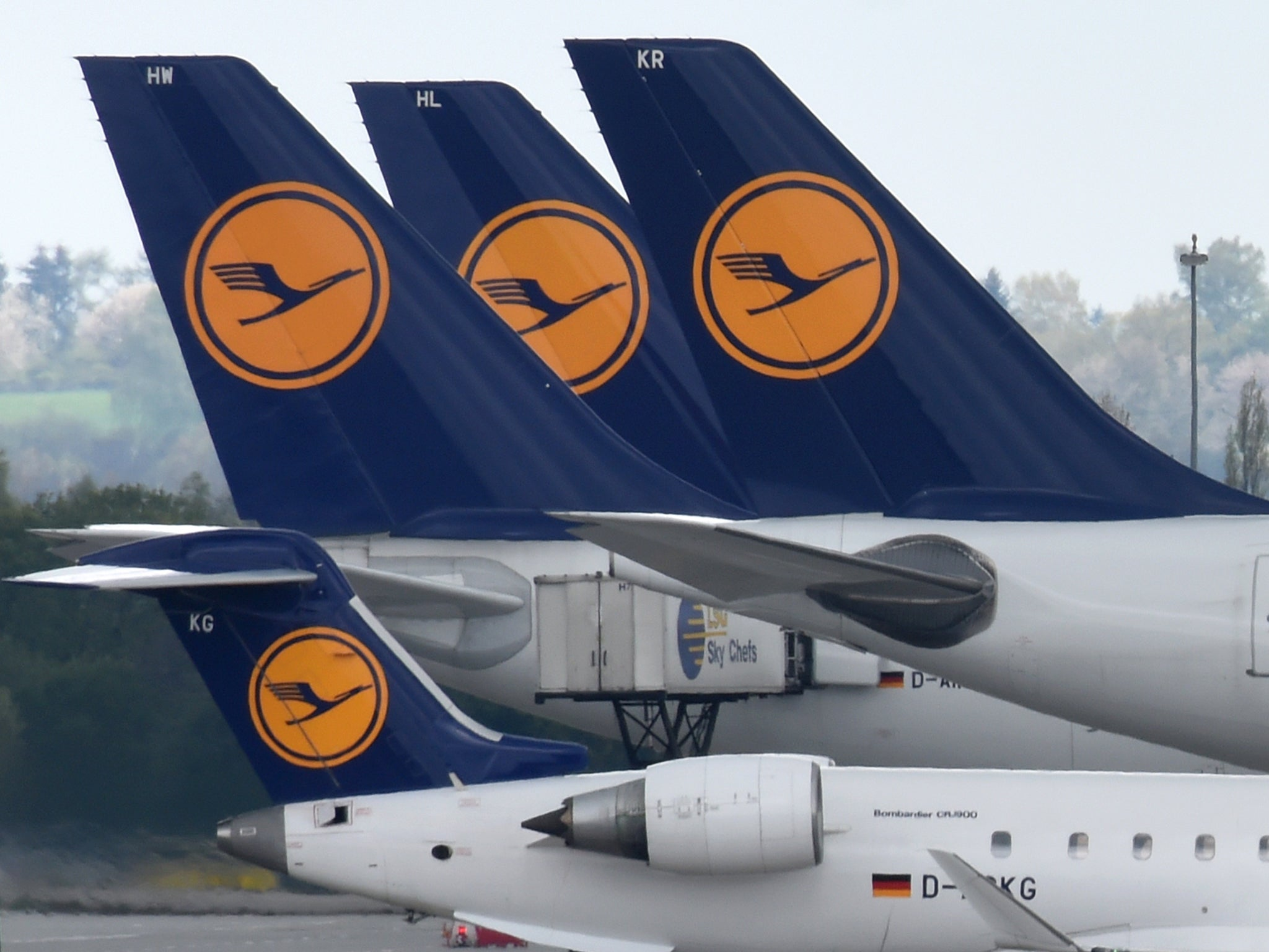 Pilots Stop 222 Asylum Seekers Being Deported From Germany By