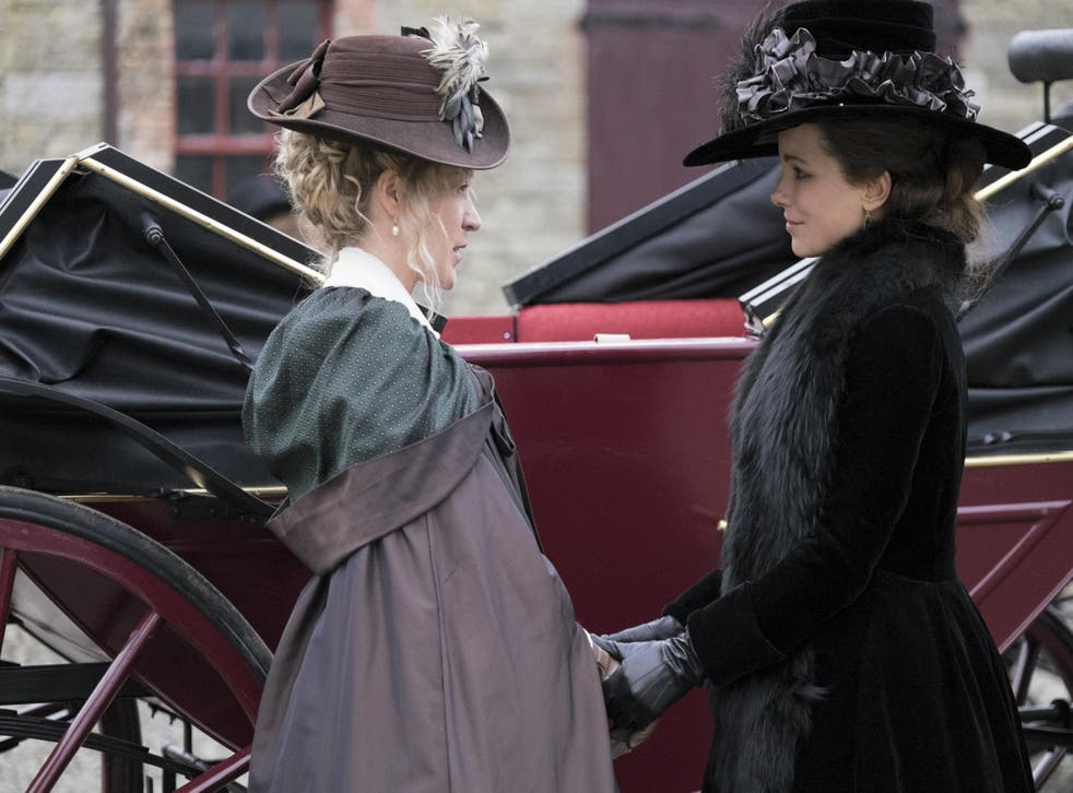 Alicia Johnson (Chloë Sevigny) is co-conspirator with the beautiful but cunning Lady Susan (Kate Beckinsale)