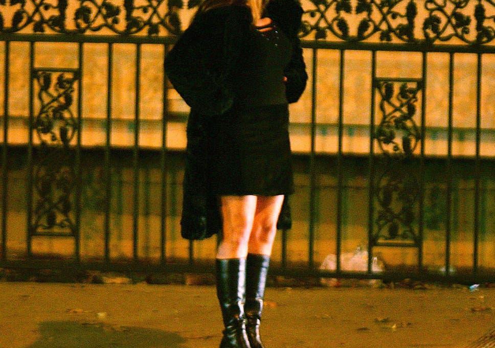 Model Hooker in Otar