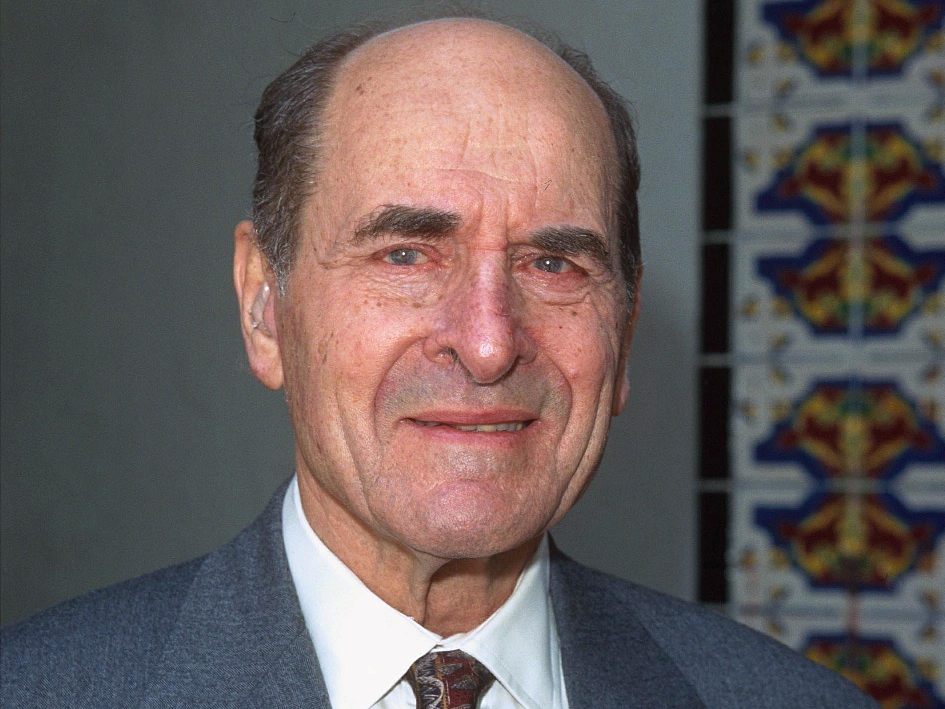 henry heimlich Henry heimlich: henry heimlich, (henry judah heimlich), american physician (born feb 3, 1920, wilmington, del—died dec 17, 2016, cincinnati, ohio), developed a simple procedure, known as.