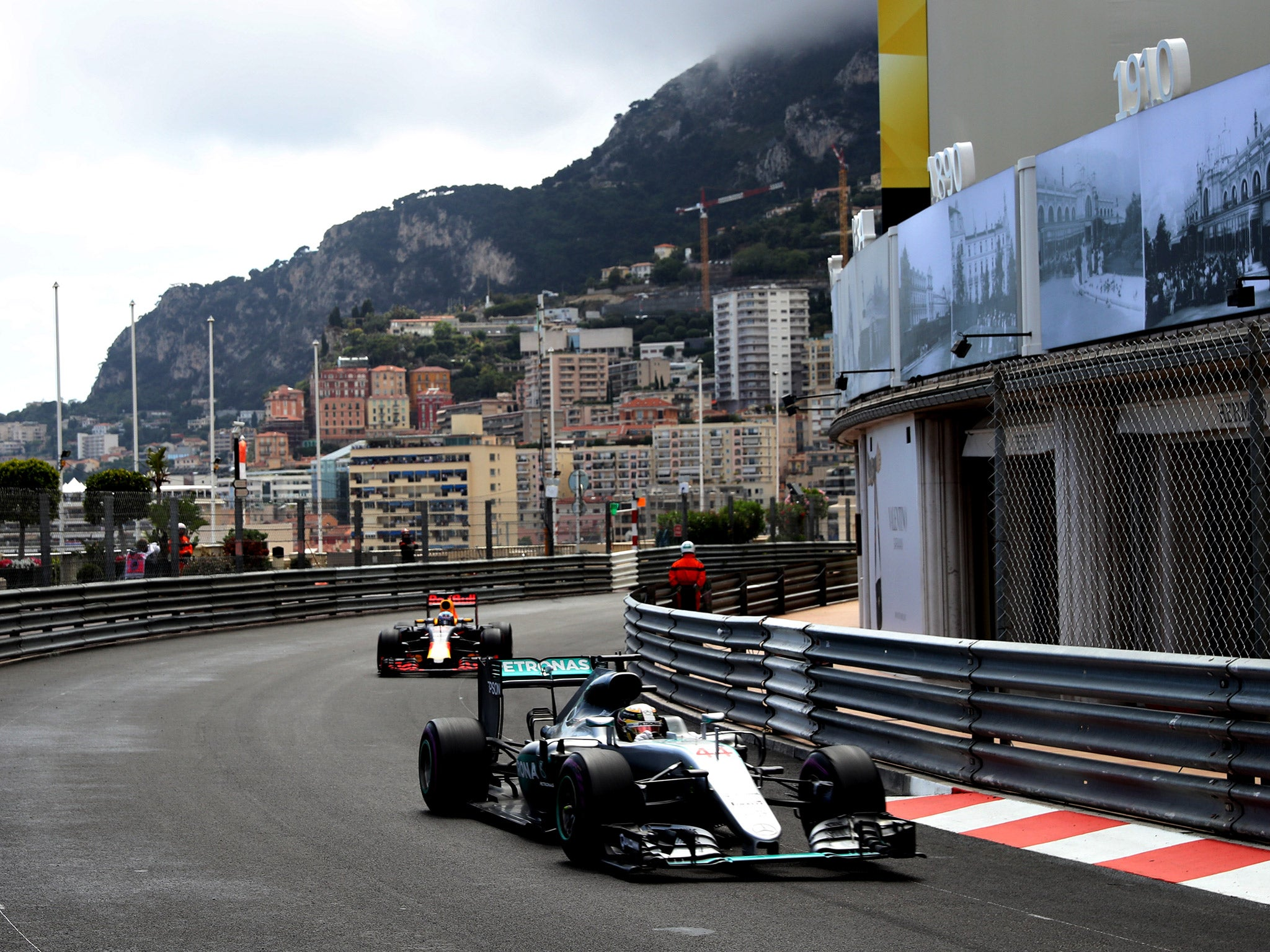 monaco grand prix 2016 live latest as lewis hamilton wins in monte carlo after thrilling battle. Black Bedroom Furniture Sets. Home Design Ideas