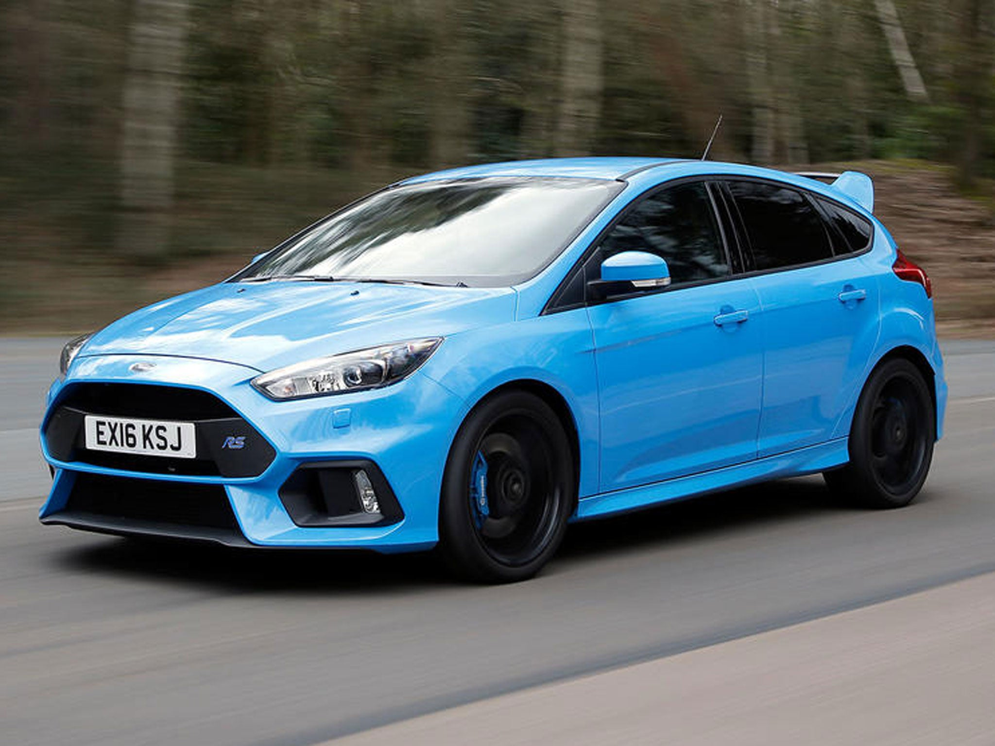 ford focus rs car review on road and on track with super. Black Bedroom Furniture Sets. Home Design Ideas