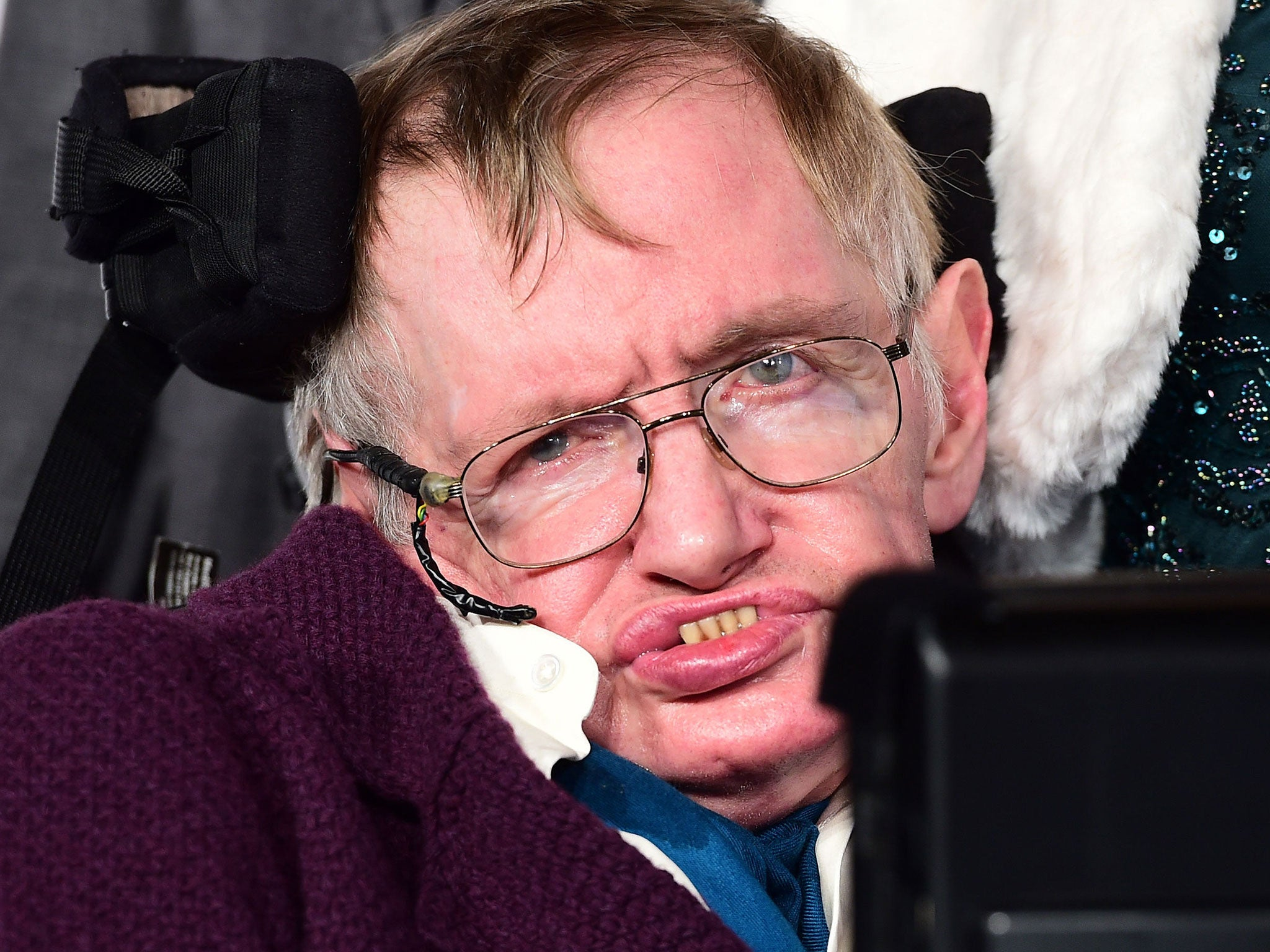 Stephen Hawking says that even he can't explain Donald ... Stephen Hawking