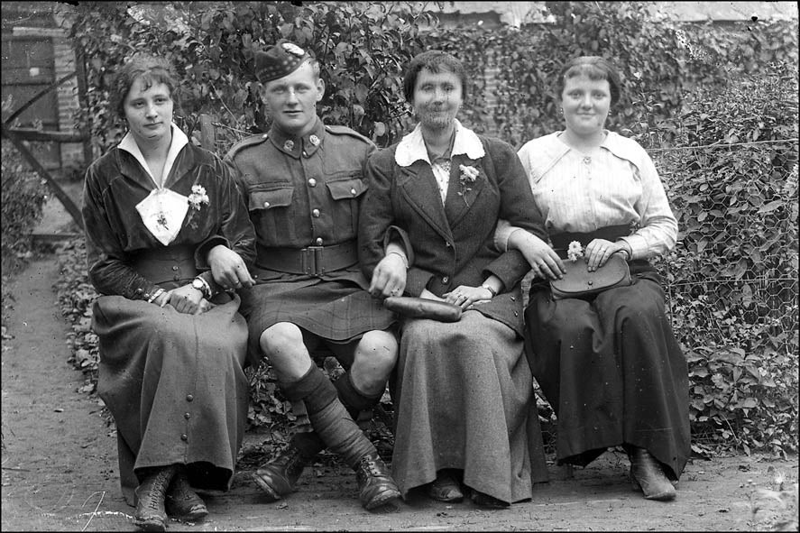 Somme selfies: three French women and a scrubbed up Scot | The Independentindependent_brand_ident_LOGOUntitled