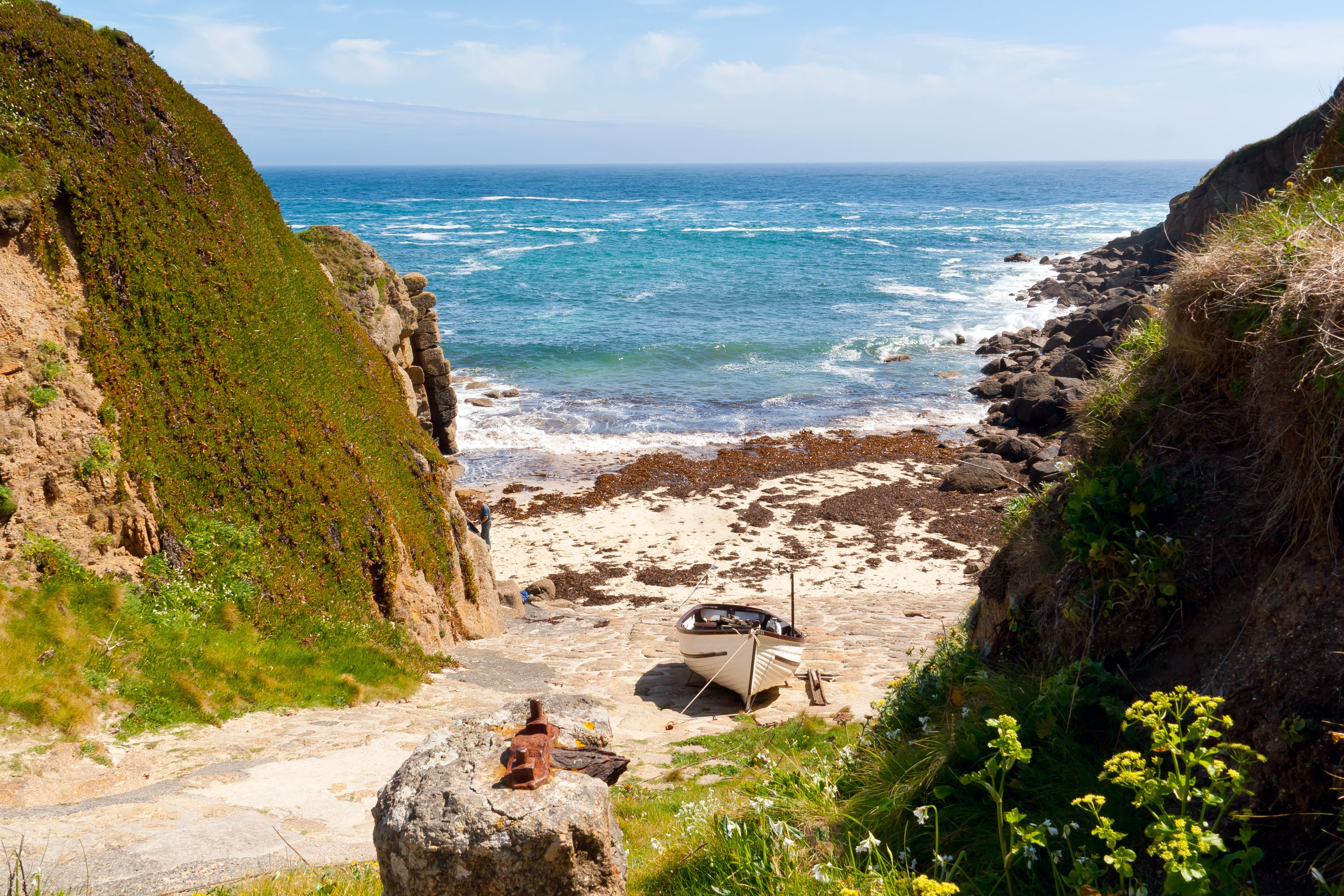 travel guide to... cornwall