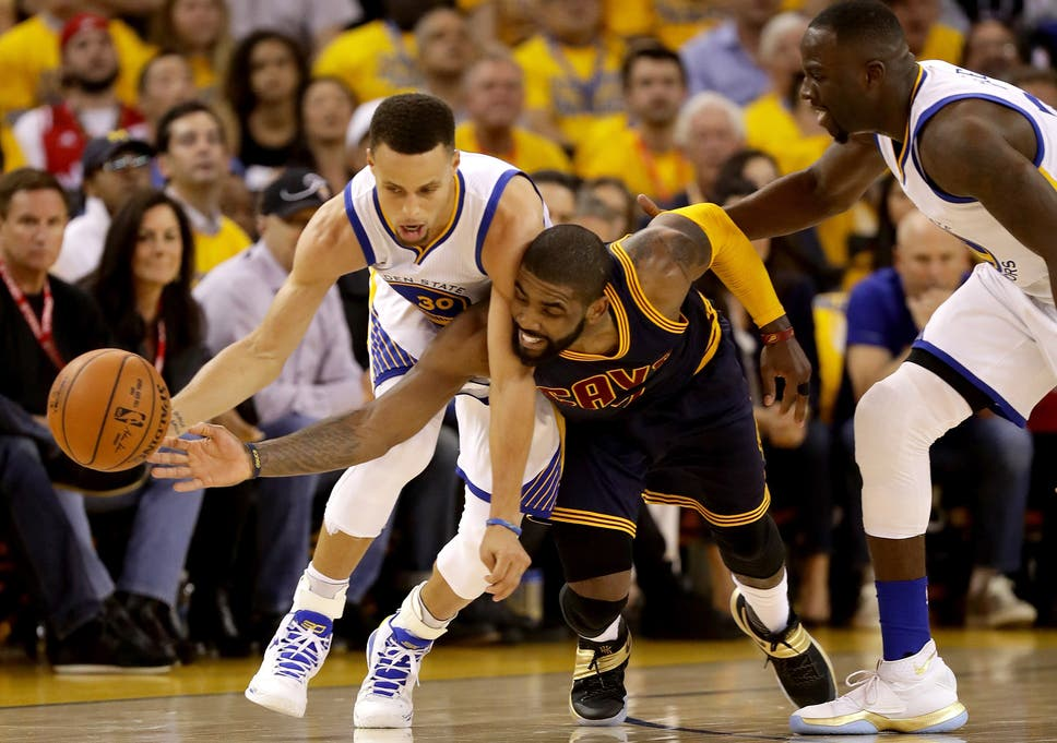 0995e5493cbb NBA Finals 2016  Golden State Warriors take lead despite Steph Curry s  off-day in championship series opener