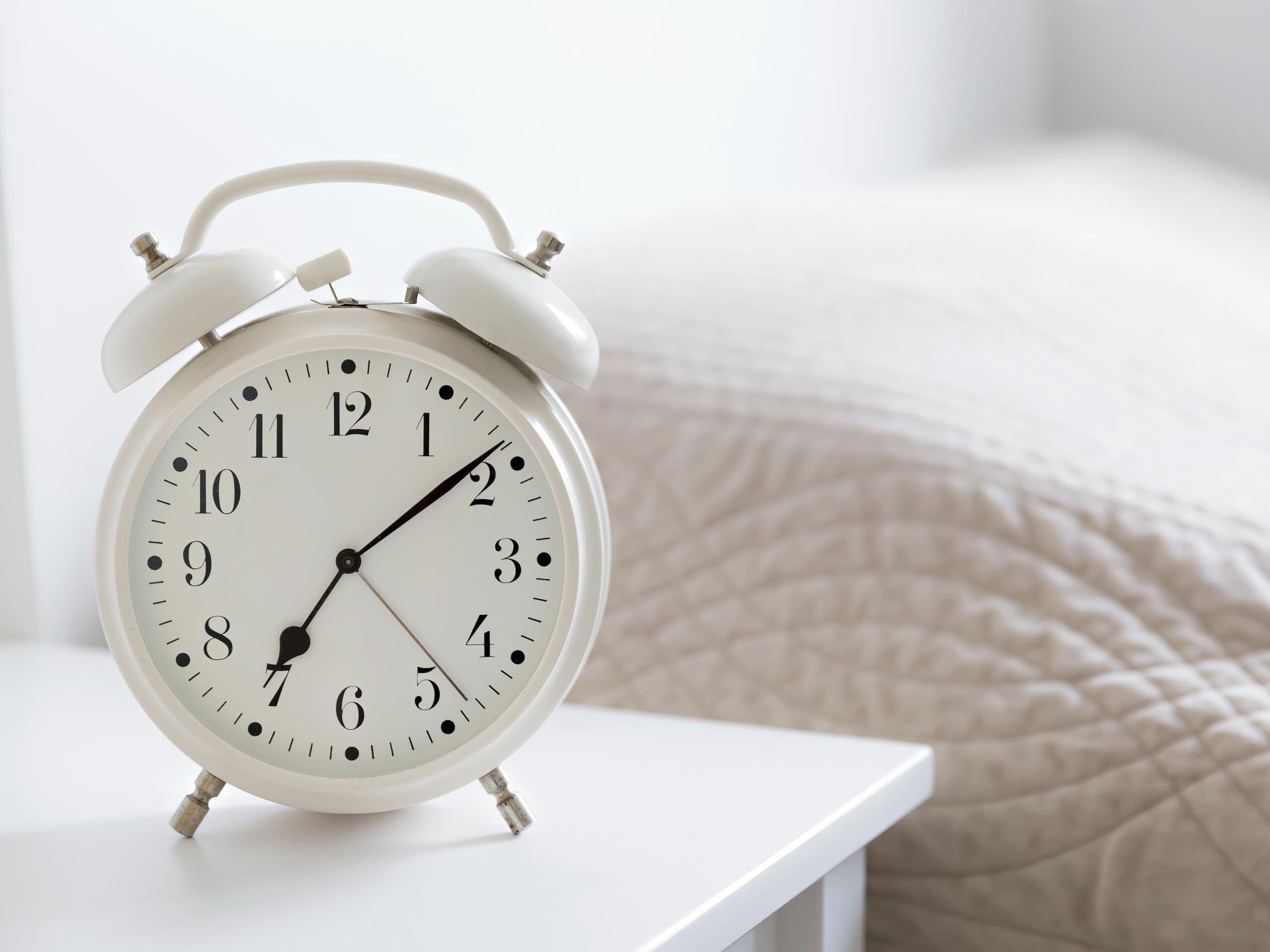 Clocks Go Back Quiz reversadermcreamcom : bedclock from reversadermcream.com size 2413 x 1810 jpeg 160kB