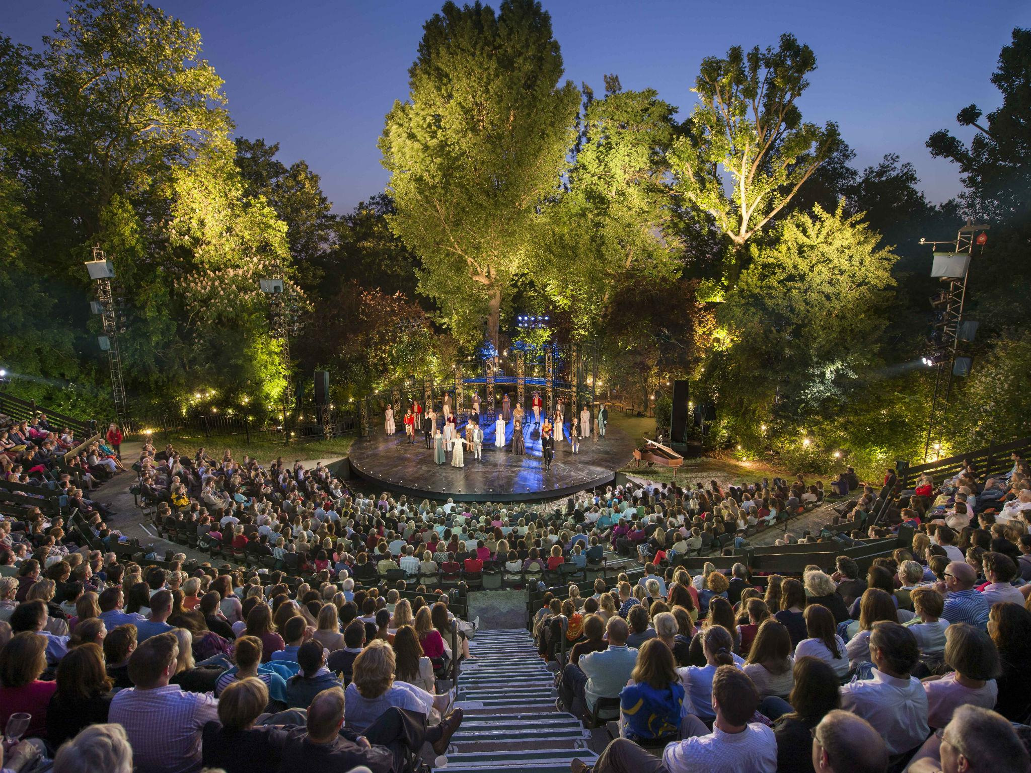 Outdoor Theatre 2016 Why Are Open Air Plays So Popular