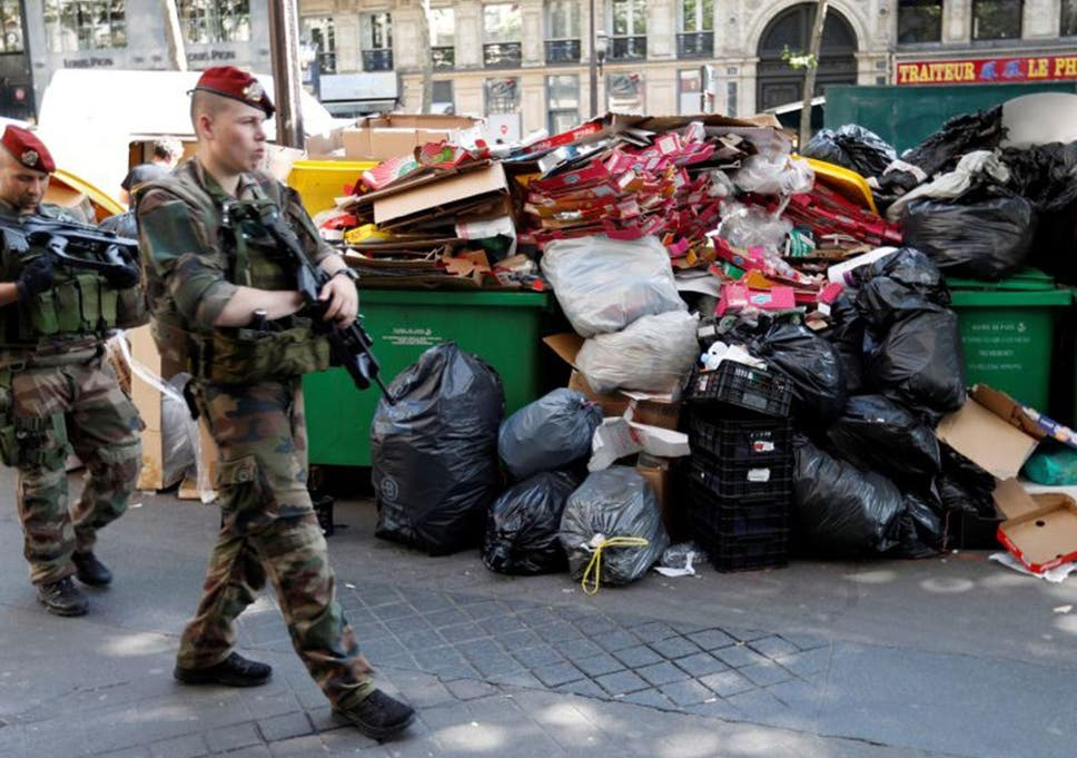 France strikes: Foul odour to linger over Paris for five more days