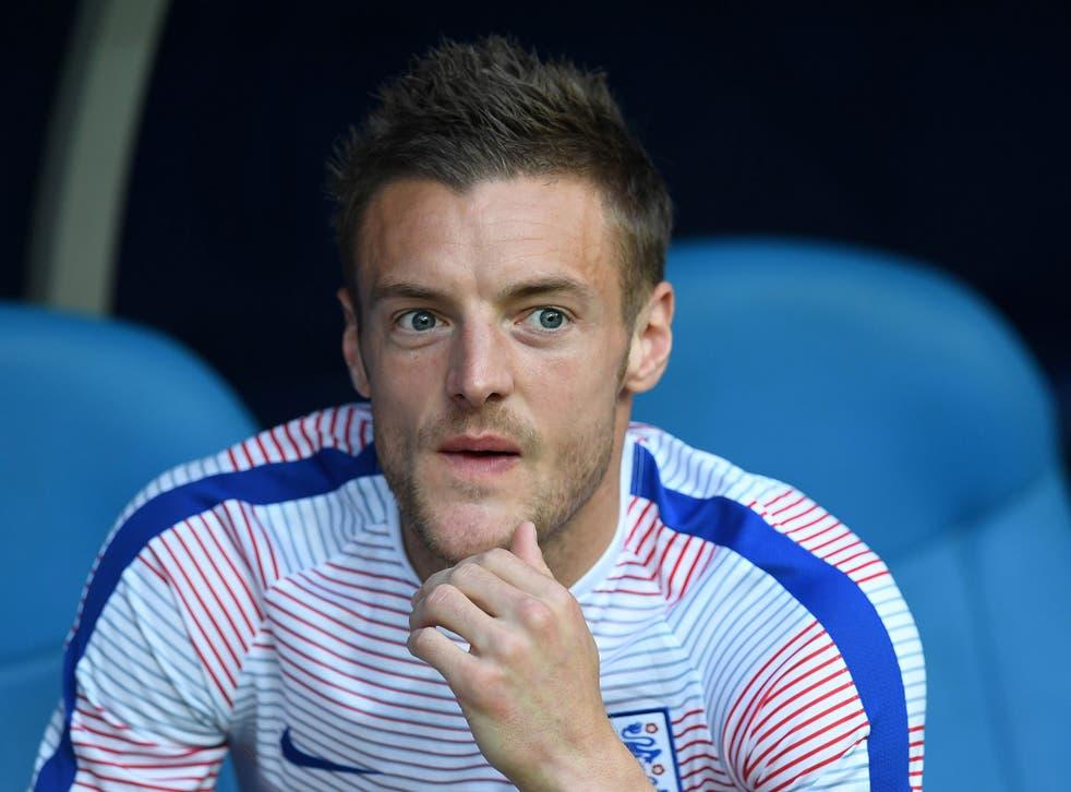 Jamie Vardy looks on