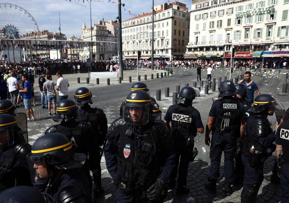 Euro 2016: Shameful Marseille violence between England and Russia