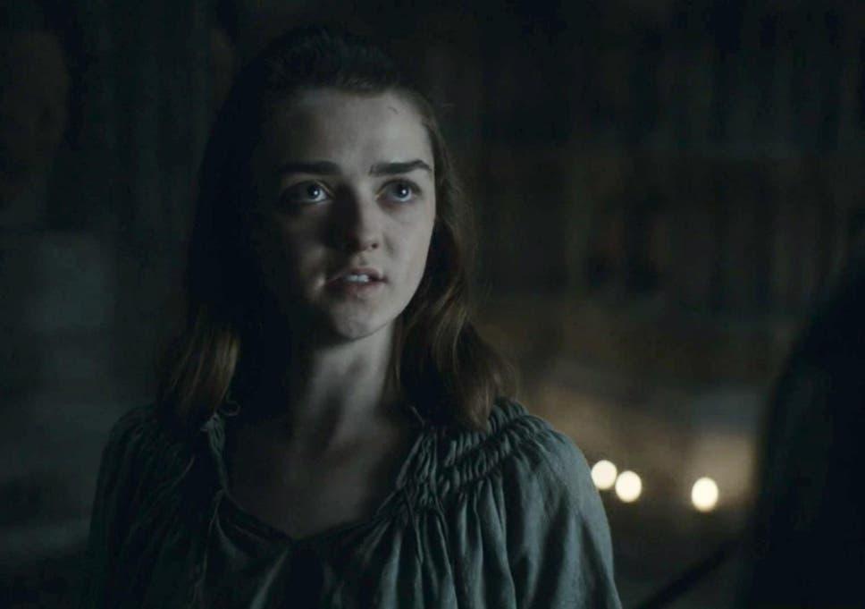 game of thrones season 6 showrunner discusses arya the faceless