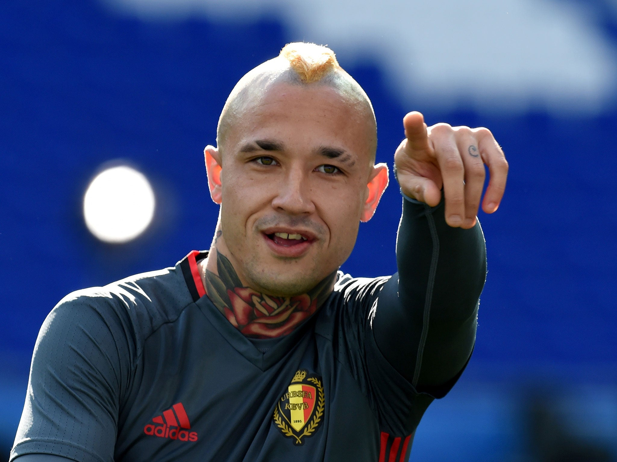 Radja Nainggolan to Chelsea Eden Hazard and Thibaut Courtois want