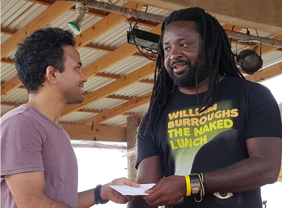 Calabash 2016: Marlon James awarding the overall Commonweath short story prize to Parashar Kulkarni