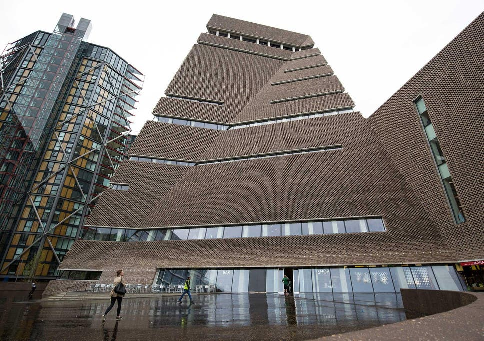 Tate Modern Is Being Taken Over By Tourists And This Can T Last