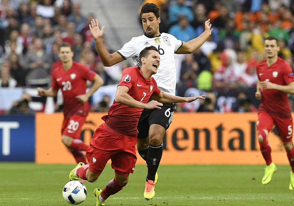 Germany vs Poland match report: Flaws come to the fore for world