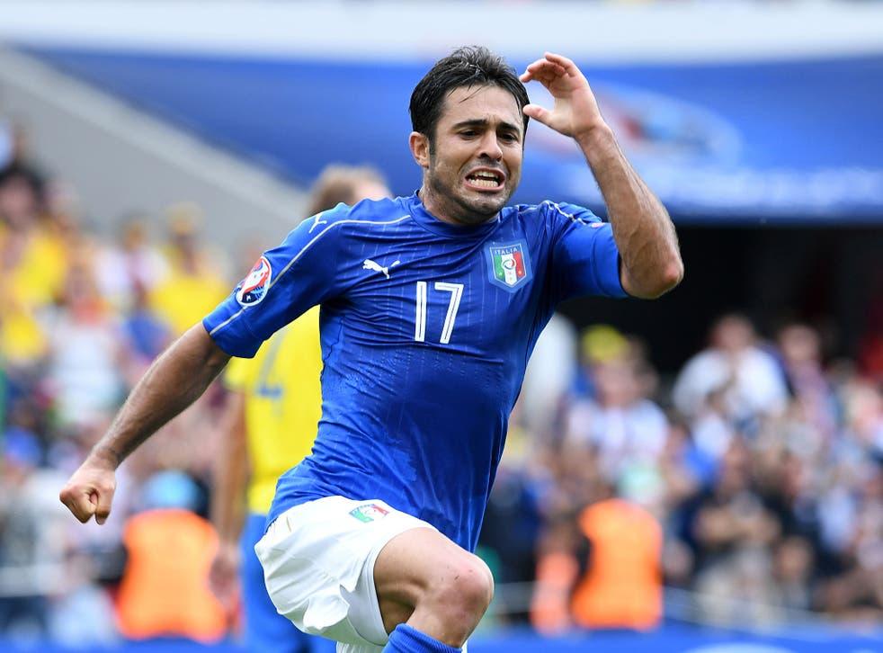 Eder celebrates his goal for Italy against Sweden