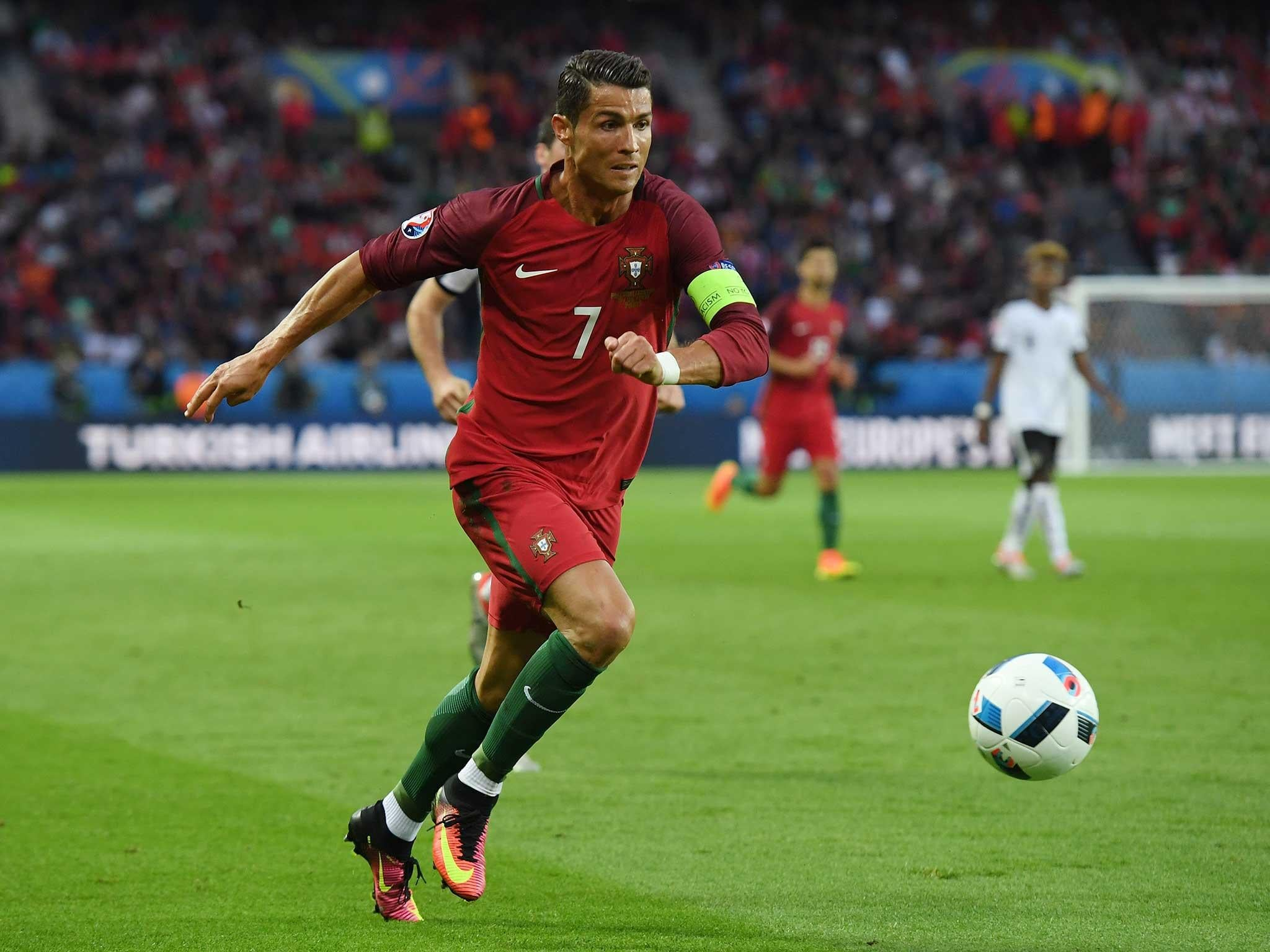 ronaldo portugal cristiano austria euro vs hungary match running game kick football uefa ronaldo7 team captain sport still penalty prediction
