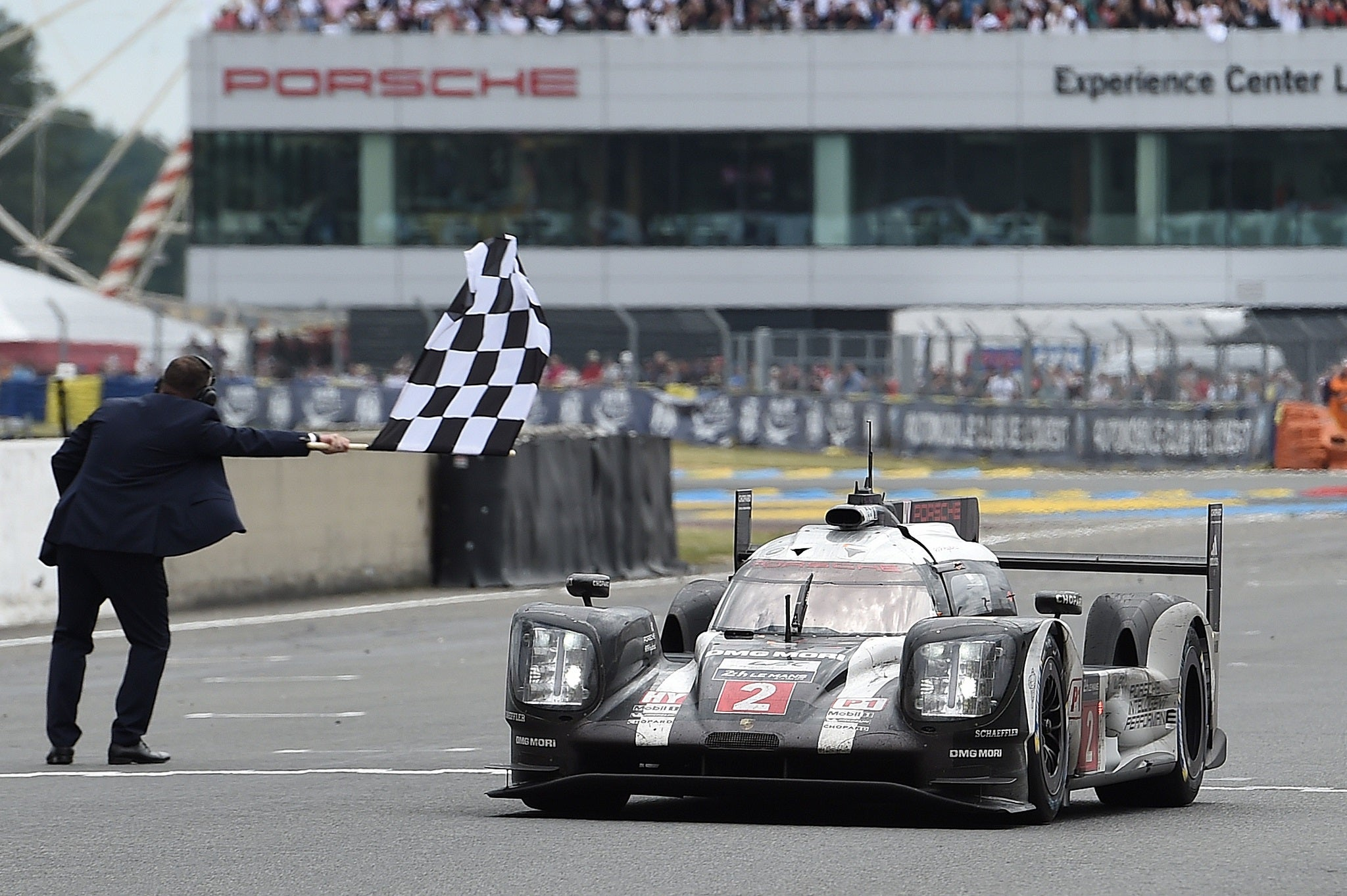 Le Mans 24 Hours 2016 Toyota Suffer Agonising Heartbreak