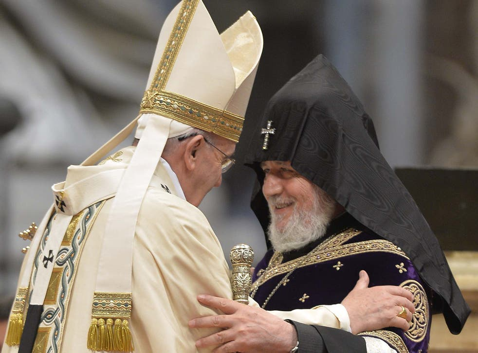 Pope Francis greets Supreme Patriarch and Catholicos of All Armenians, Karekin II in 2015