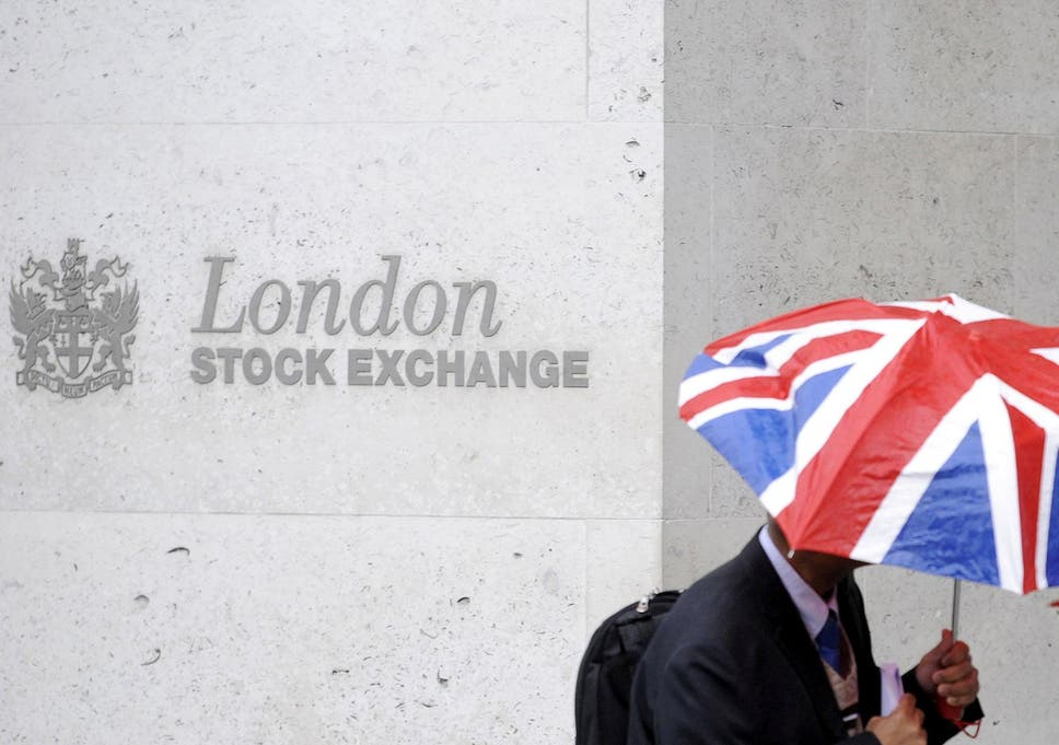 FTSE 100 slumps to lowest level since 2016 as bank stocks fall | The