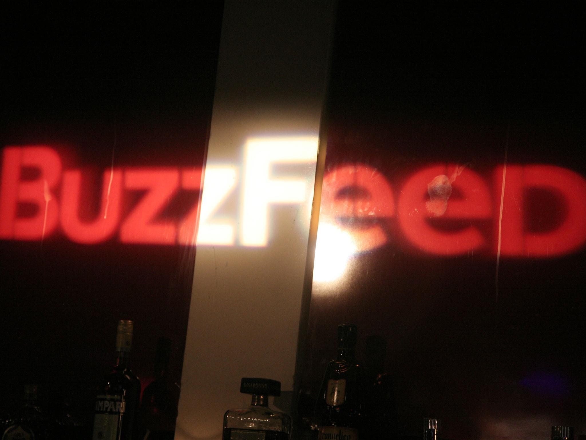är Ashley från Buzzfeed dating Andrew