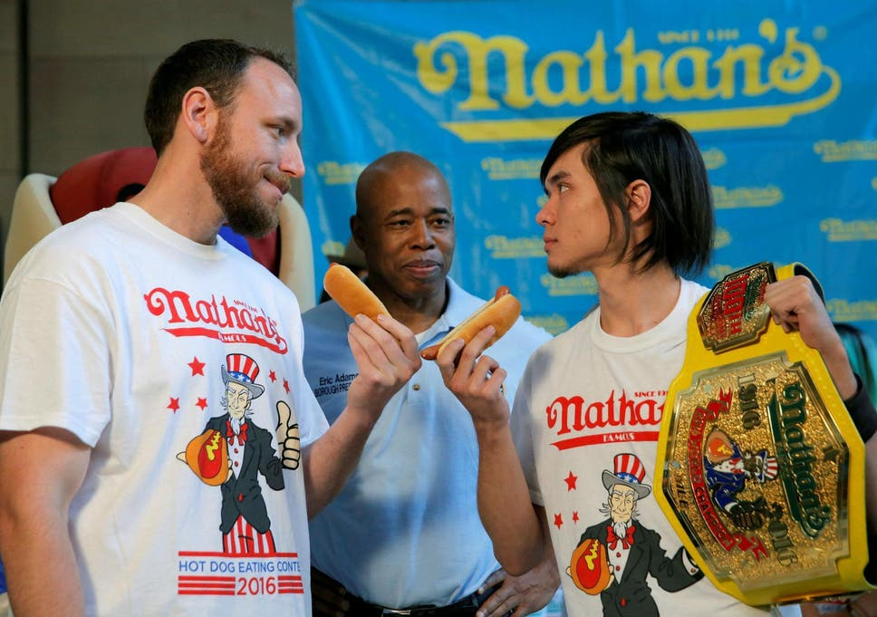 A Hot Dog And Bun Fight Nathan S Famous Fourth Of July