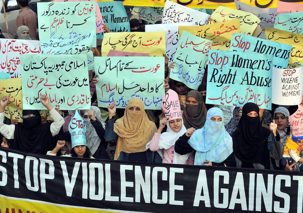 Pakistan 'honour' killings: The mother who burned her daughter alive