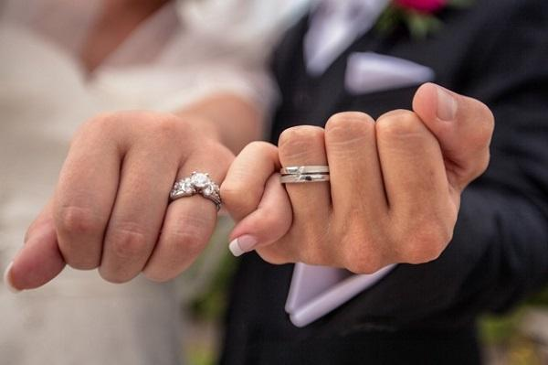 Husband's job could determine whether a marriage will end in divorce